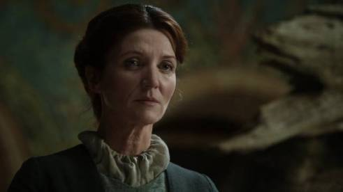 game-of-thrones-1x06-a-golden-crown-catelyn-tully-stark-cap-02_mid