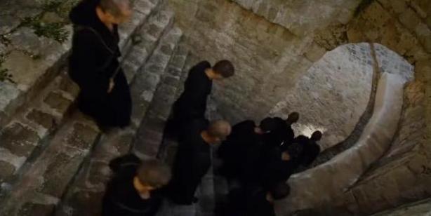 040-Monks